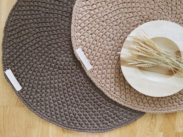 INSONNE Virkattu matto vaaleanruskea ja suklaa